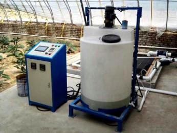自动施肥器